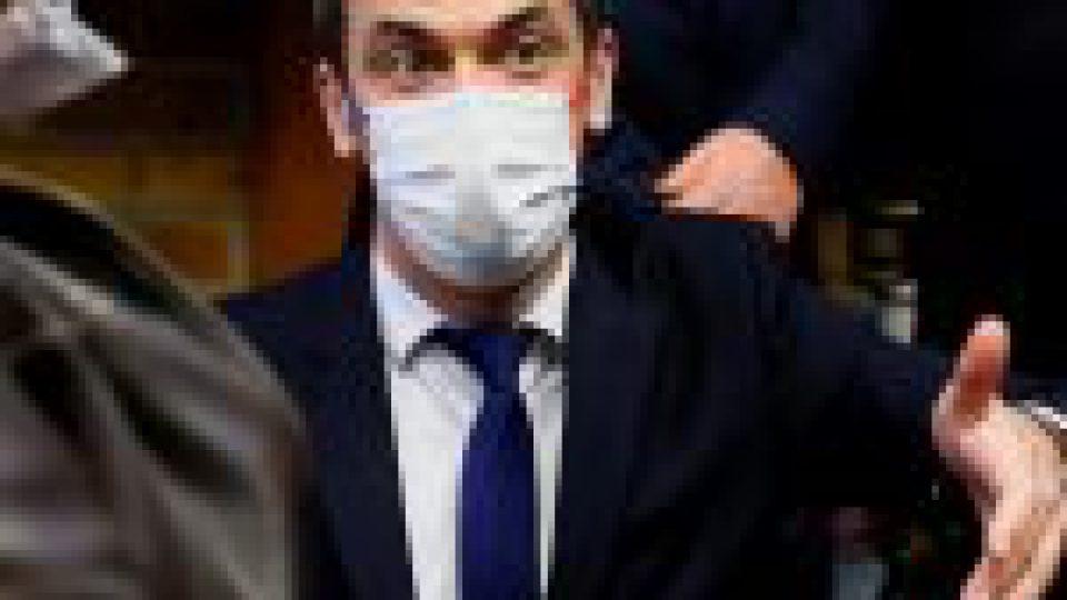 Covid-19 en France : Véran défend l'ouverture de la vaccination, les indicateurs s'améliorent