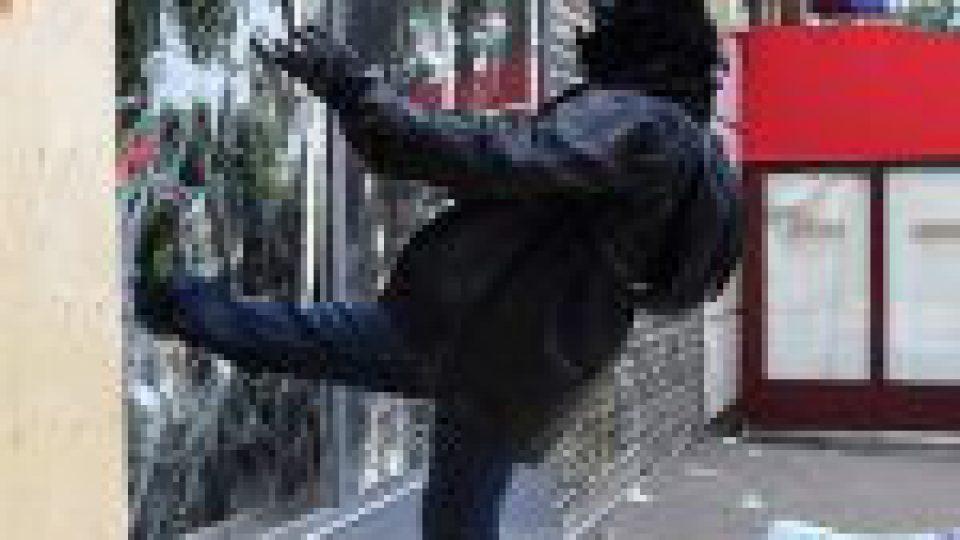 Paris: la Ville propose un service d'aide aux victimes des manifestations
